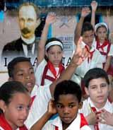 20070520025229-marti-en-cada-nino-cubano.-foto-arnaldo-santos-.jpg