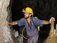 20090414054826-caverna.jpg