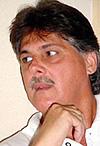 20130102184842-dr.-tomas-castillo.jpg